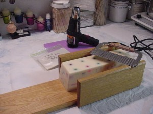Log Cutter, Crinkle Cutter, Log Soap, Heat Gun, Heat-resistant board & Shrink bags.